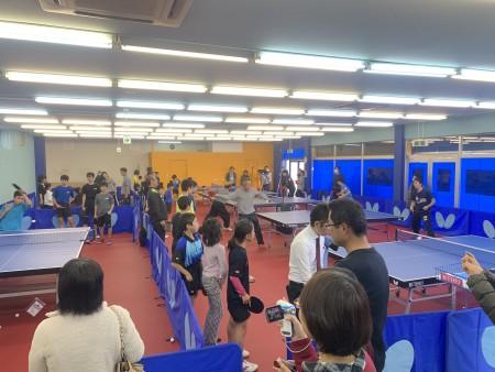 上田選手、三部選手を招いて卓球教室を開きました